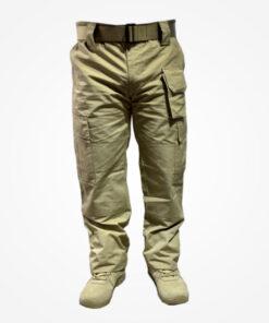 Pantalón táctico Desierto, elaborados en material resistente poliéster, equipado con cuatro bolsillos laterales, dos bolsillos posteriores.