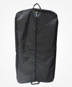 Porta vestido fabricado en lona huracán de alta densidad. Medidas 80 cm de largo por 60 cm de ancho y 4 de fondo, con compartimento para portar calzado.