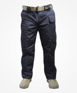 Pantalones tácticos Desierto, elaborados en material resistente poliéster, equipado con cuatro bolsillos laterales, dos bolsillos posteriores y un bolsillo delantero, cremallera resistente.
